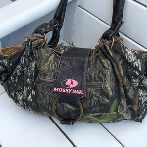 Mossy Oak camo and pink bag